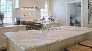 plan de travail cuisine marbre un plan de travail en marbre dans la cuisine