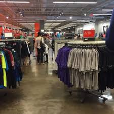 Nike Outlet Nj by Nike Factory 18 Photos 27 Reviews Shoe Stores 8200