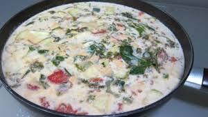cuisiner l oseille soupe à l oseille recette entrées chaudes supertoinette