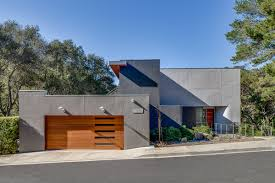100 Modern Stucco House Portola Valley House Remodel Modern Kitchen Open Floor Plan