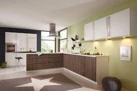 bauformat moderne l küche in weiß mit holz küchenfronten lack