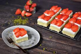 erdbeer sahne schnitte sallys