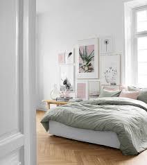 bilderwand im schlafzimmer gestaltungsbeispiele für poster