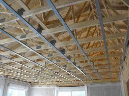 mise en place suspentes et rails pour placo du plafond arnaud et