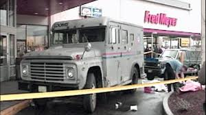 KIRO 7 Investigation Sparks Police Action In Fatal Lynnwood ... Columbus Police Searching For Three Armed Suspects After Brinks Garda Armored Truck Insssrenterprisesco Car Guard Shot In Sacramento Credit Union Robbery Armored Robbed Outside Wells Fargo Inglewood Abc7com Cmpd Vesgating Of West Charlotte Smart Water Anti System Sign On The Back An Armoured Truck Driver Shoots Atmpted Robber In Little Village Worker Fatally Midcity Bank 1922 Us Mint Denver Suspect Dead Phoenix Youtube By Man And Woman East Side Wsyx