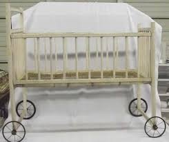 Antique Baby Crib MUST BE PICKED UP