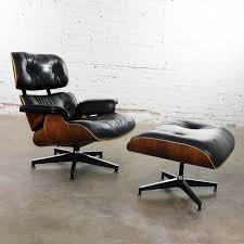 Vintage Eames Lounge Chair & Ottoman In Black Leather & Rosewood For ... Vitra Eames Lounge Chair Charles Herman Miller Walnut Evans Lcw By And Ray Rosewood Ottoman Palm Beach And For For Sale At 1stdibs 670 Retro Obsessions Vintage Office Designs In Black Leather Rare White By A