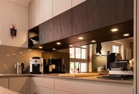 warme wohnküche mit historischer steinwand küchen design