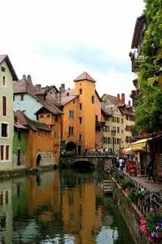 les plus beaux canap駸 ruphy castle annecy lake travel around europe