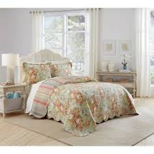 Greenland Home Bedding by Bedroom Greenland Home Fashions Bedding With Laminate Wood Floor