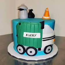 100 Truck Cakes This Cute Garbage Truck Cake Helped Daddy Bakery Facebook
