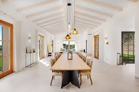 16 magnifiques conceptions de salle à manger méditerranéenne