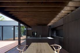 100 Apollo Architects Monolithic Black House By Conceals