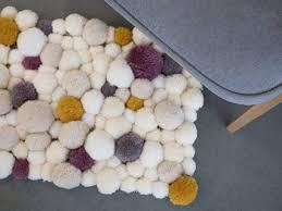 tapis a faire soi meme faire un tapis en pompons