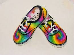 Decorating Fabric With Sharpies by How To Sharpie Spiral Tie Dye Shoes Youtube