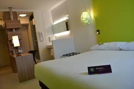chambre ibis style nîmes ibis budget et ibis styles deux nouveaux hôtels ont poussé de