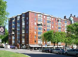 100 Karlaplan 10 In Stockholm Lowrise Building