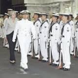 海上自衛隊, 小野寺五典, 護衛艦, いずも型護衛艦, 日本, いずも, 横須賀基地, イギリスの首相, 防衛省