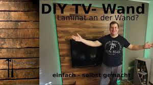 diy tv wand einfach selbst gemacht laminat an der wand