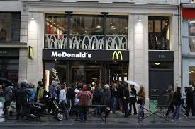 siege mcdo mcdonald s transfère siège fiscal à londres