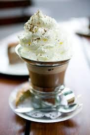 dessert avec creme fouettee crème chantilly secrets et recette de la crème chantilly réussie