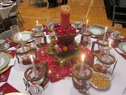 Christmas Centerpieces For Dining Room Tables by Christmas Banquet Decoration With White Cloth Ttable And Red Table