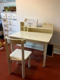 bureau customisé une chambre à moi diy fabrication d un petit bureau maternelle