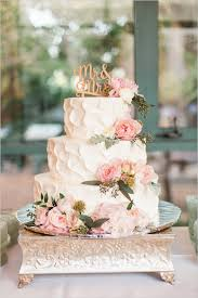 Elegant Three Tiered Wedding Cake For Fall 2015