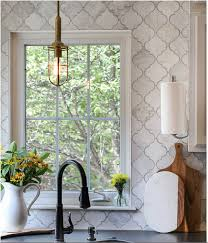 16 95 carrara venato honed arabesque marble mosaic tile