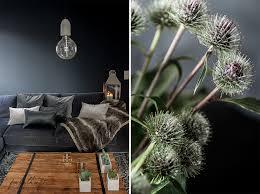mood interior einrichtung wohnzimmer dunkel grau herbst