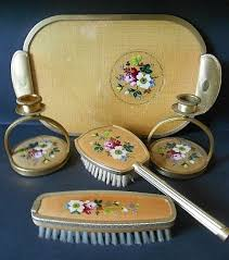 Vintage Vanity Dresser Set by 130 Best Vintage Brushes Combs Mirrors And Vanity Sets Images On