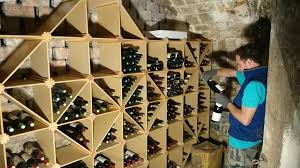 rangements bois creation de caves a vin sur mesure