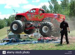 100 Monster Truck Engine Foot Bear