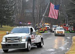 100 Tow Truck Driver Pay Truck Drivers Pay Tribute To Colleague Killed On Schuylkill