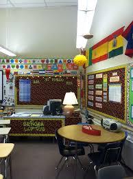 Classroom desk idea Spanish Yo puedo bulletin board idea I
