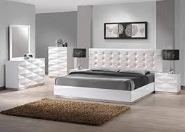 Amazon J&M Furniture Verona White Lacquer & Leather Queen