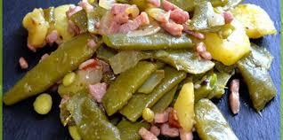 plat de cuisine poêlée haricot plat pommes de terre oignons lardons