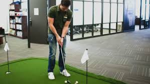 Video The Amazing Space This office es with a putting green