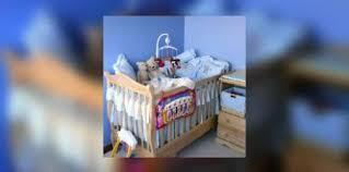 quand mettre bébé dans sa chambre bébé aménagez lui une chambre saine e santé