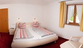 zwei raum ferienwohnung 3 50m schlaf u wohnzimmer