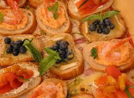 canapés saumon fumé canapés de saumon fumé au chutney de mangue recette plaisirs laitiers