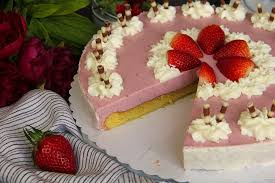 erdbeer topfen torte genussatelierlang
