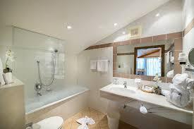 doppelzimmer dachgeschoss badezimmer badezimmer in den dop