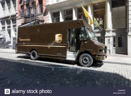 Ups Truck Stock Photos & Ups Truck Stock Images - Alamy