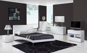 VIEW IN GALLERY Modern Luxury Bedroom Design In Grey And White Concept With Furniture Combined A Big