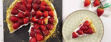 erdbeerkuchen rezept mit frischen erdbeeren und quarkcreme
