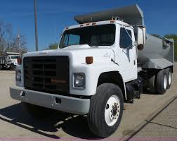 1986 International F1954 Dump Truck | Item J4985 | SOLD! May... Sold Intertional Dump Truck Contractors Equipment Rentals 630 1984 Intertional 1954 For Sale Auction Or Lease 2005 7400 Dump Truck Central Sales Ami K8 Trucks For Sale In Il Used 2008 4300 Chipper New 2001 4900 Heavy Duty 155767 2007 9200 Abilene Tx 9383509 Heavy Duty Trucks Ia In Missouri Used On
