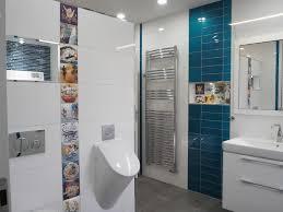originelles badezimmer mit luxuriösem überraschenden details