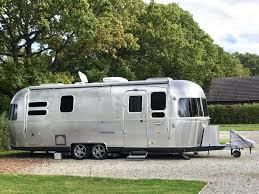 100 Pictures Of Airstream Trailers That Sleep 5 Or More People Camper Report