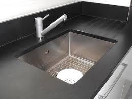 plan travail cuisine granit plan de travail en granit noir zimbabwé pour cuisine à tournon sur